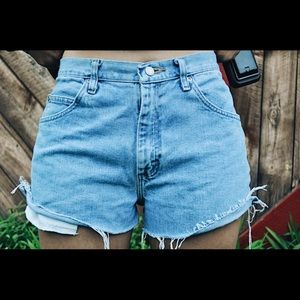Wrangler High Rise Mom Shorts